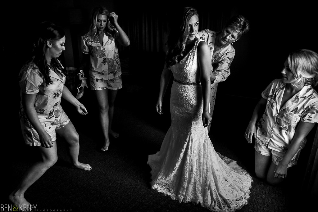 wedding photography at Tempe Mission Palms - Ben and Kelly Photography