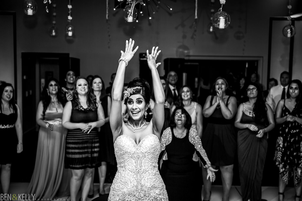 Bouquet Toss - Sanctuary Resort - Ben and Kelly Photography