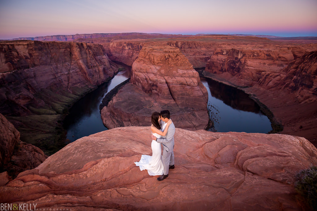 Horseshoe Bend engagement photo by Ben & Kelly Photography